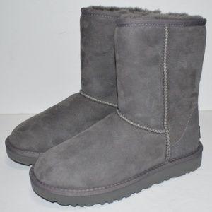 UGG Classic Short II Suede Women's Boots Gray Sz 6